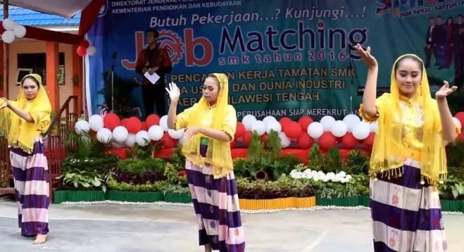 Ulasan mengenai Tari Peule Cinde Sulawesi Tengah dan Keunikannya