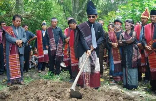 Ulasan mengenai upacara Mangokal Holi Sumatera Utara dan Sejarahnya