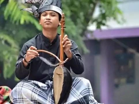 Ulasan tentang Alat Musik Keso-Keso Sulawesi Selatan dan Cara Menggunakannya