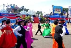 15 Tarian Adat Tradisional Daerah Sulawesi Utara Beserta Gambarnya