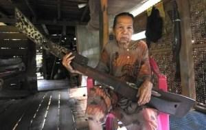 Uraian mengenai Alat Musik Kecapi Mandar Sulawesi Barat dan Ciri Khasnya