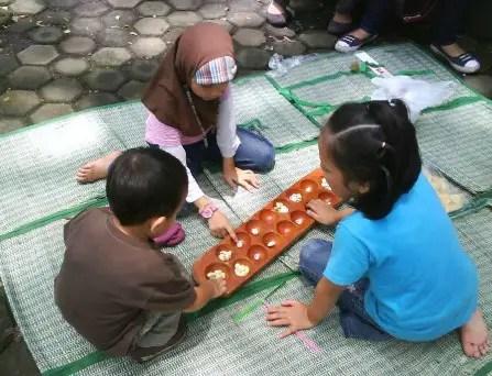 Uraian tentang permainan Congklak Jawa barat dan Sejarahnya