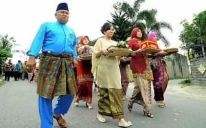 Review tentang Upacara Meminang Riau dan Ciri Khasnya
