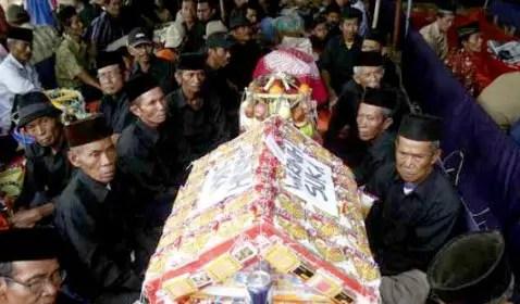 Ulasan Mengenai Upacara Adat Jawa Barat Bernama Ngunjung