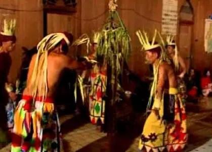 Ulasan terkait Upacara Beliatn Kalimantan Timur yang unik