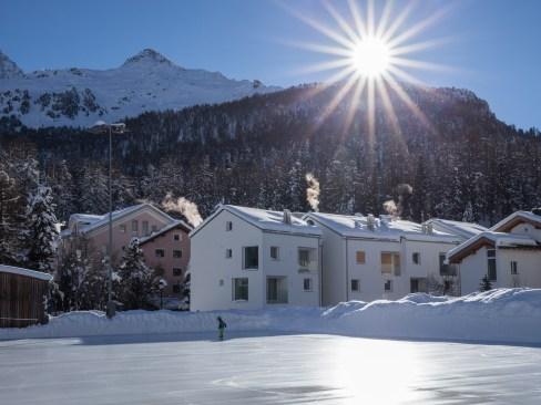 Aussenansicht Winter Wohnung Sils Maria