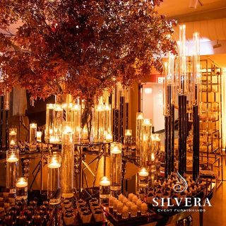 Event décor with lighting