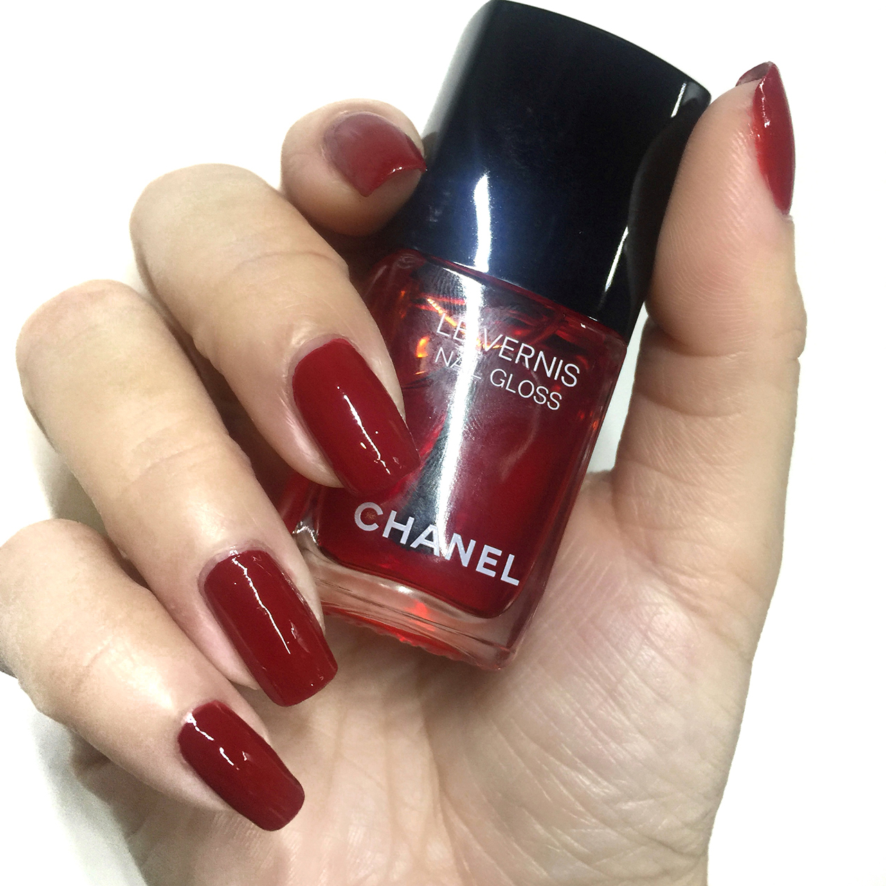 CHANEL Le Rouge Collection N°1 Le Vernis Rouge Puissant & Le Vernis ...