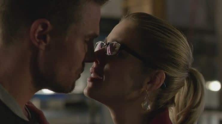 Oliver and Felicity dream kiss 4