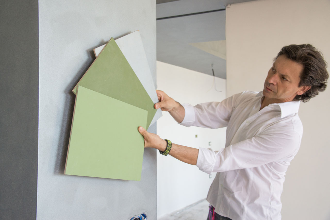ristrutturazione di interni - roberto silvestri sceglie i colori per le pareti