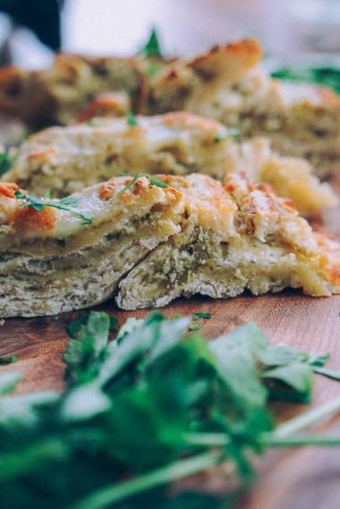 pesto-mozzarella-garlic-bread-19