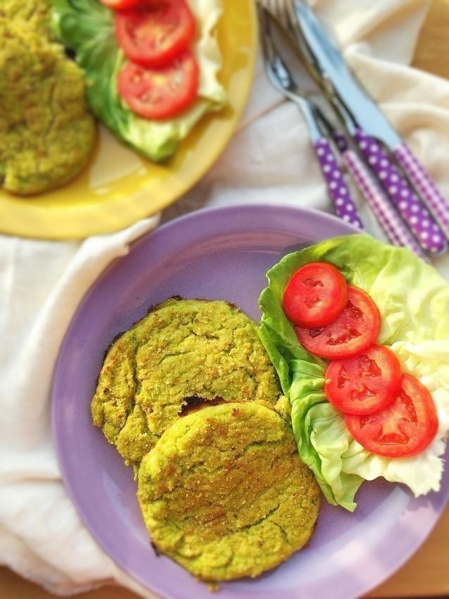 Hamburger di zucchine e edamer. Per deliziare i più piccoli.