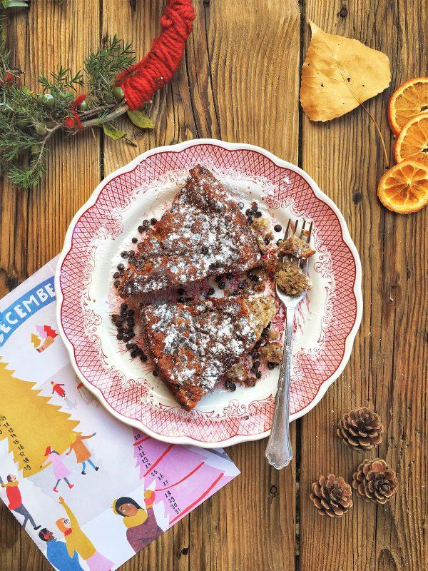 Torta con marmellata ai frutti di bosco e gocce di cioccolato