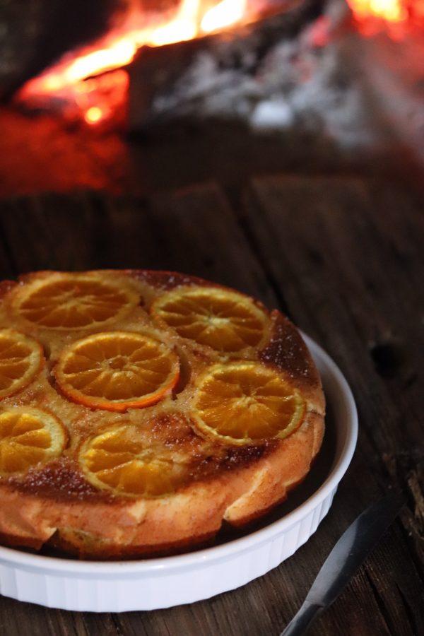 Torta rovesciata all'arancia con gocce di cioccolato