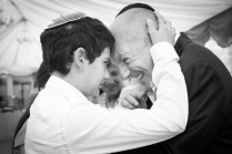 Son, father, batmitzvah, barmitzvah, party, celebration, ceremony, private, event, jewish, hug, smile, Photographer, fotografo, photography, Italy, Italia, UK, Europe, Milan, Milano, Florence, Firenze, Rome, Roma, London, Paris, Barcelona, Madrid, Berlin