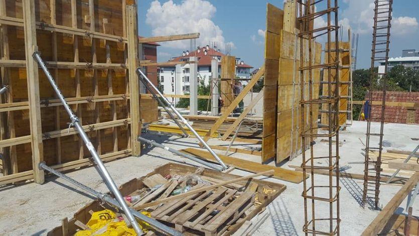 ruma radnici 2 1 Gradjevinska firma - SIM 2002