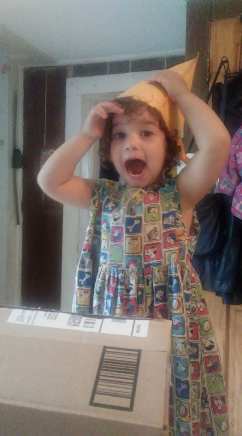 How to let your toddler entertain herself (without screens!)