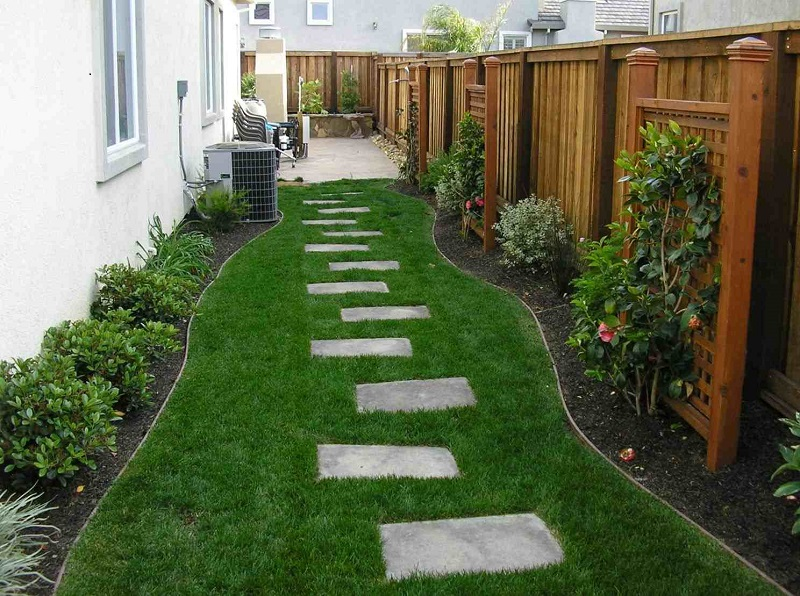 FIND OUT: The Best 15 Side Yard Garden Design Ideas on Small Side Yard Ideas  id=33045