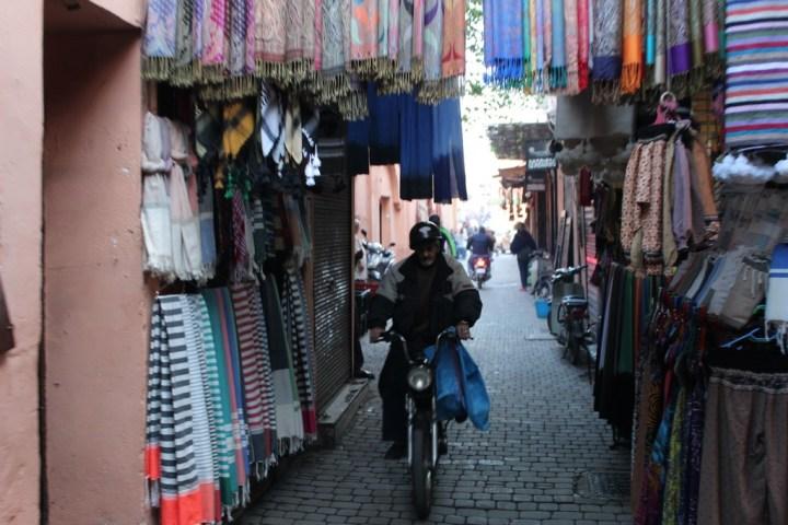 Orientarse por el zoco de Marrakech