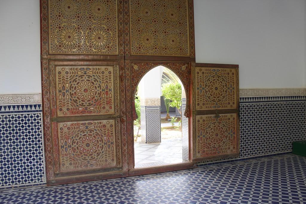 Puerta de la mezquita del mausoleo