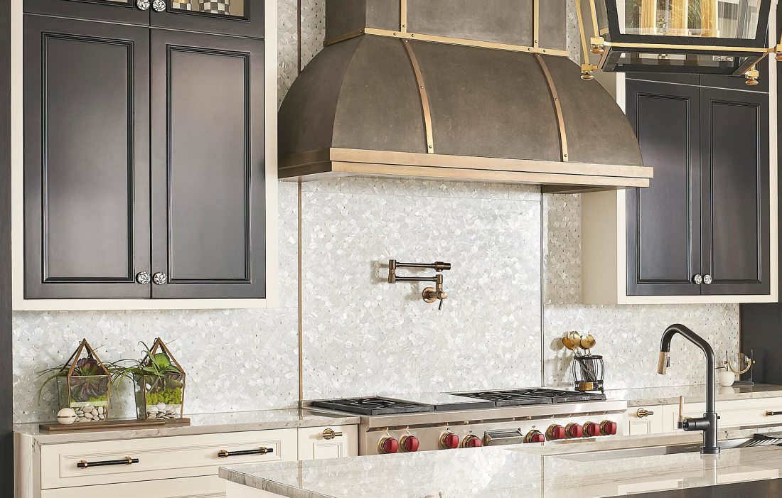 Golden Pearl Drop Private Kitchen