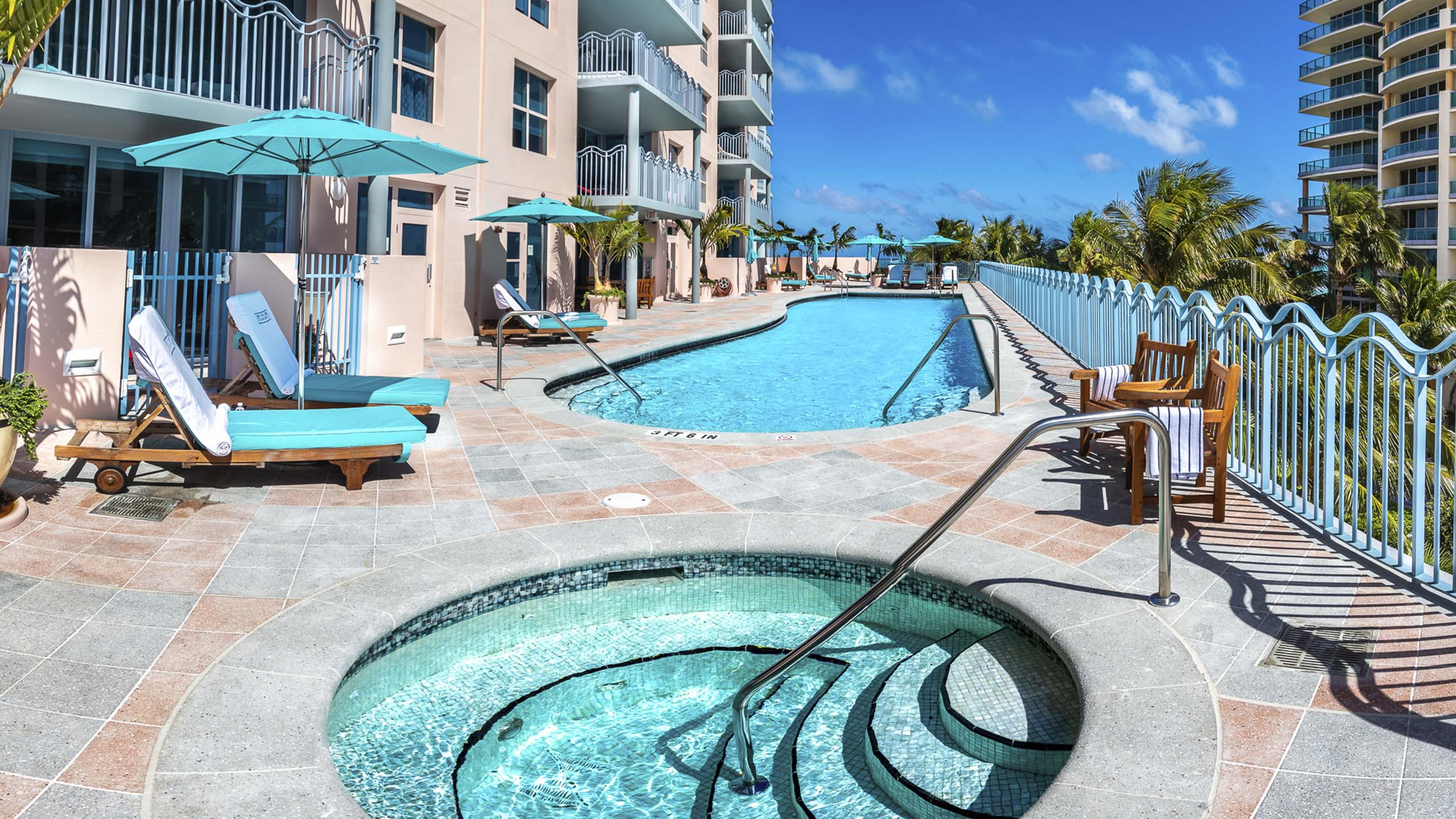 2021 project, Bianco & Midnight Pearl 25mm Outdoor Pool