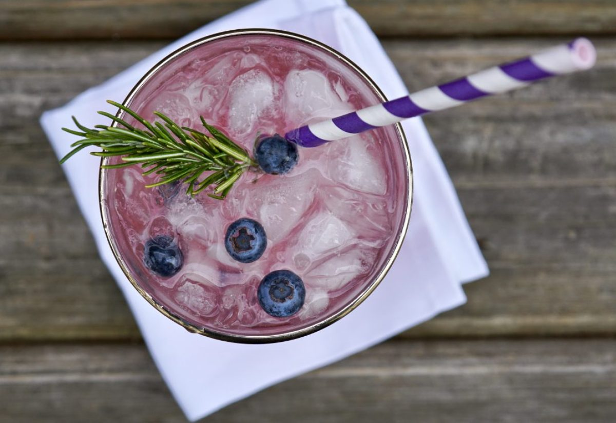 blueberry-rosemary lemon mocktail
