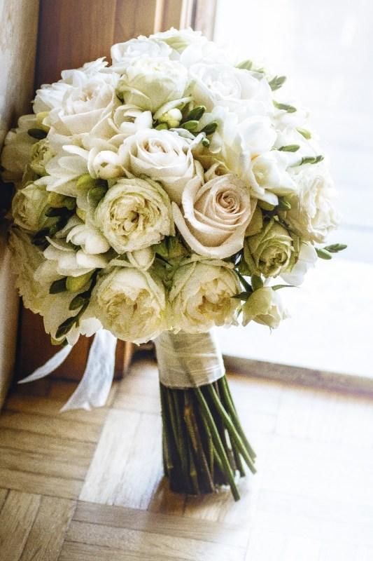 bouquet romantico rose inglesi verde e bianco simmi