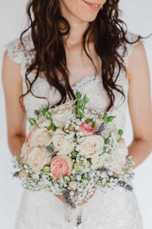 bouquet romantico rose lavanda gipsofila cipria simmi
