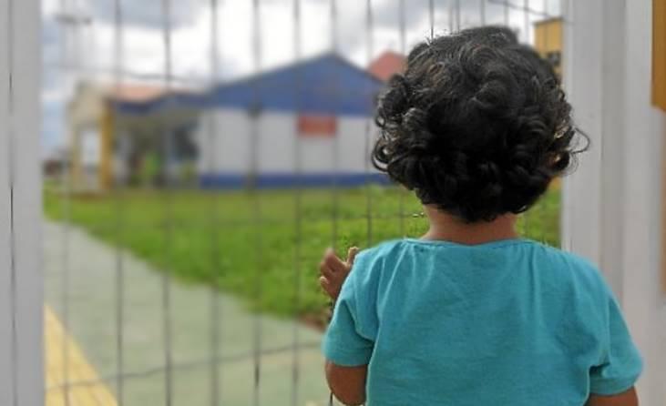 Resultado de imagem para criancas sem creche
