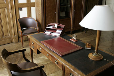 Lhistoire Du Fauteuil De Bureau Des Grands Hommes Gt Simon