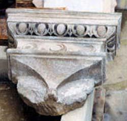 restauro-capitello-1.jpg