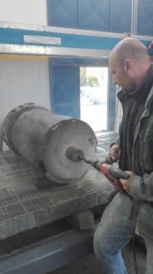 carotatura del pilone per l' inserimento della barra in acciaio inox