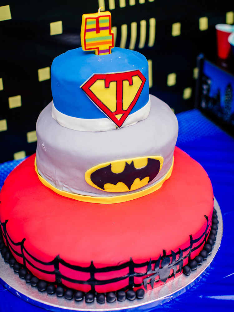 Trace S 4 Year Old Superhero Birthday Party Simonemadeit