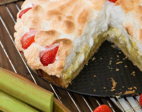 tarte rhubarbe fraiseFotolia_64711101