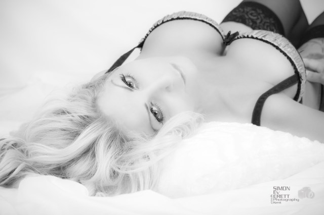Boudoir Studio photographer kent