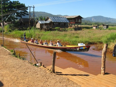 long boat to lake inle