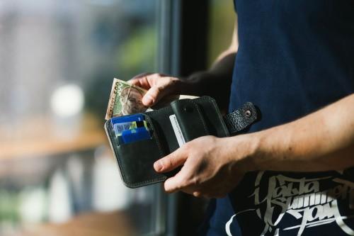 Simpatia para ter sempre dinheiro na carteira