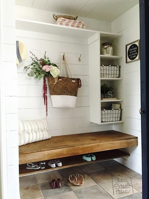 5 Schmidt Home Mud Room Simphome com
