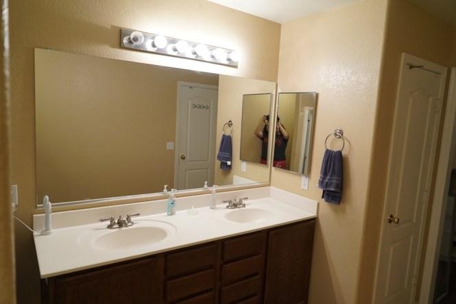 DIY Bathroom mirror makeover Simphome com Before