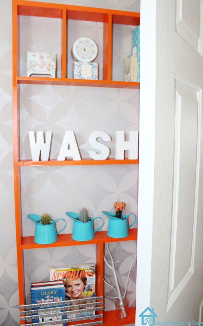 12 Remodelando la Casa behind the door shelf simphome