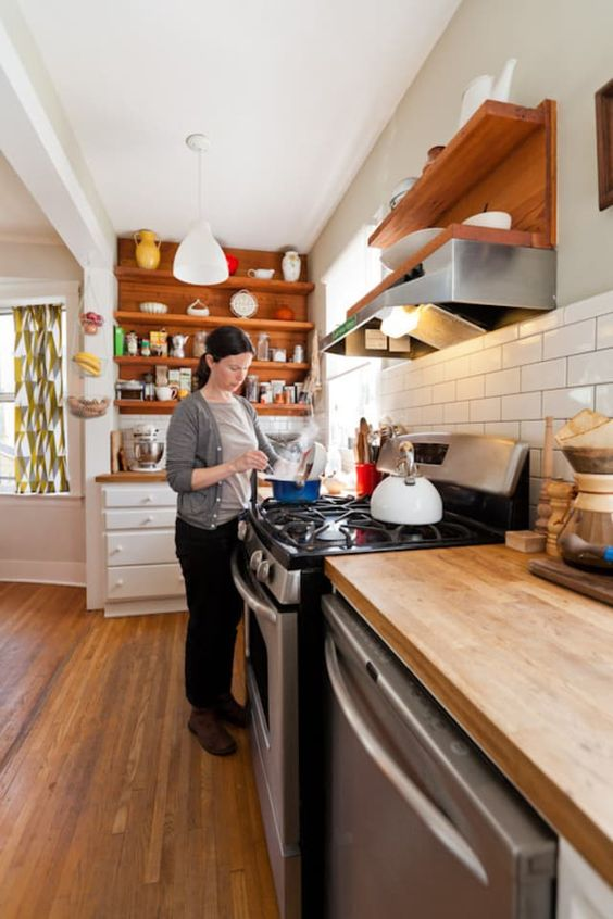 1 Simphome DIY Kitchen Countertop Cleaner