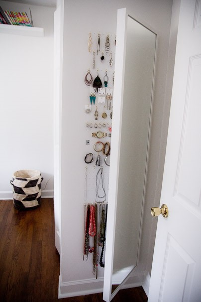 6 Jewellery Storage with Mirror via simphome
