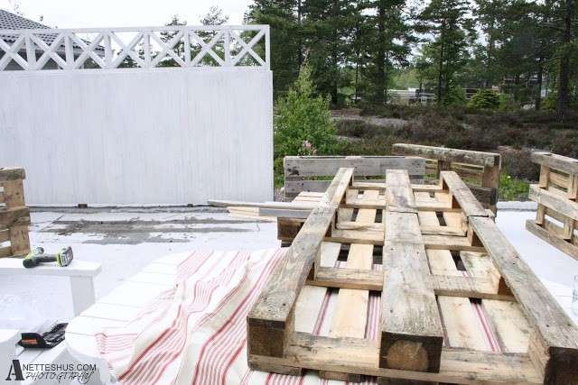 DIY How to make indoor pallet sofa and outdoor via simphome 8
