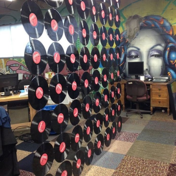 1 Vinyl Record Room Divider via Simphome