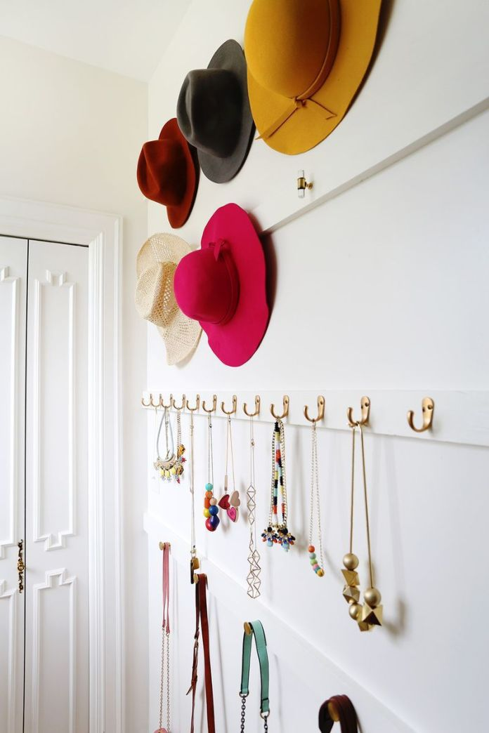 5 Display Your Accessories via Simphome