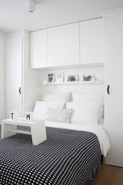 8 Ikea Besta Storage Hack via Simphome