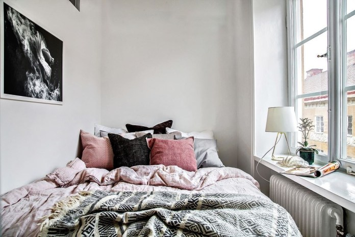 9. Expose Your Bedroom to the Natural Light via Simphome