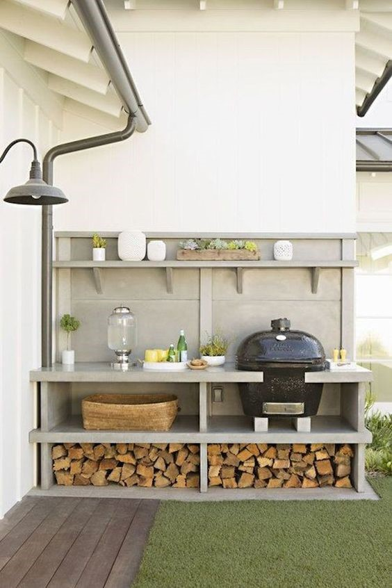 6. Simple and Small Outdoor Kitchen via Simphome