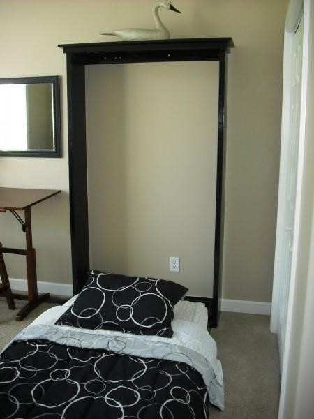 6. Small Murphy Bed via Simphome